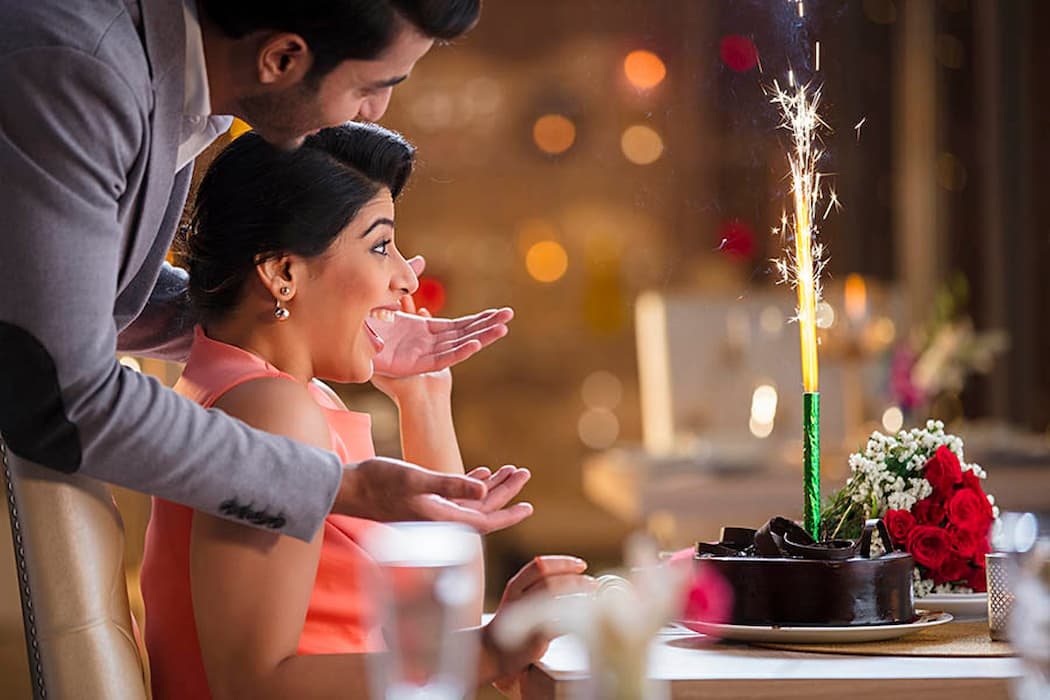 The Best Gift Combos For Anniversary To Win Your Special One's Heart!