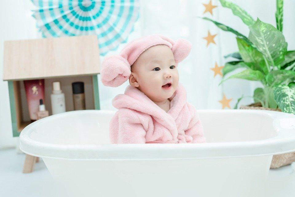 A Pro Guide to Protect your Baby Skin (Best Skin Care Routine)